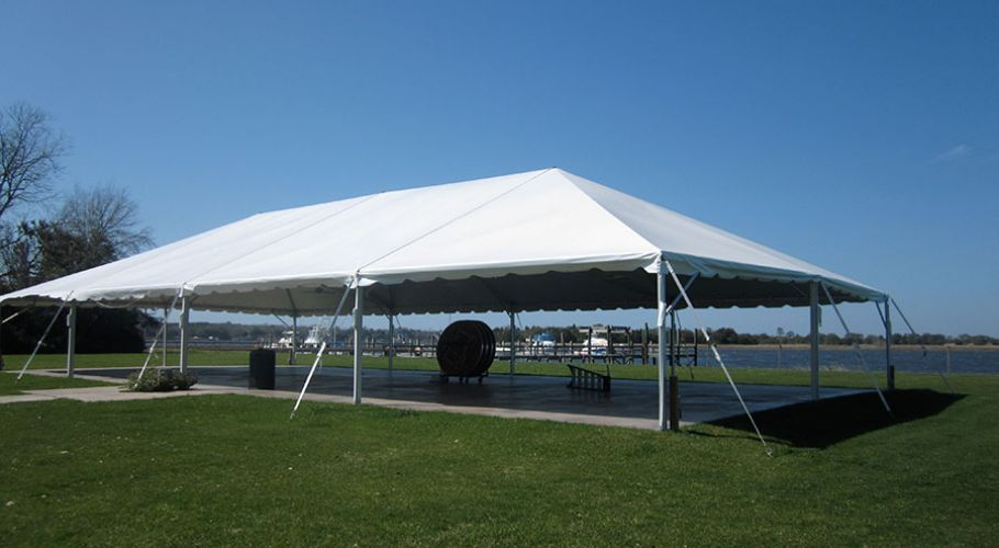 07-tent-on-the-water
